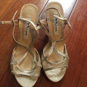 NWT Nina NY metallic heels
